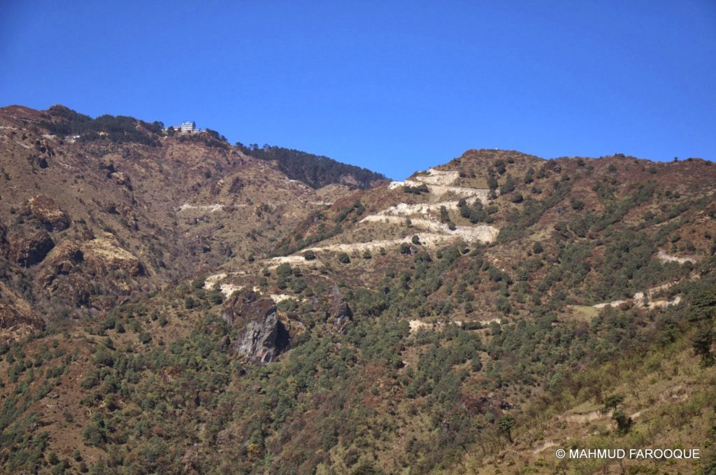 way to sandakphu from Kalapokhri